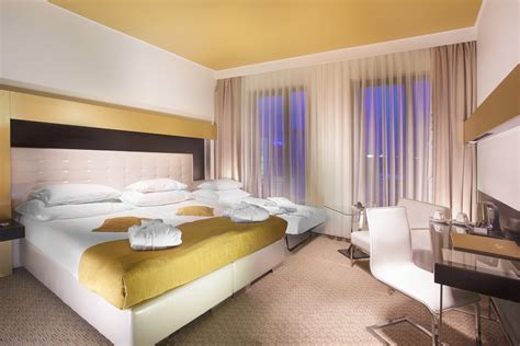 Double rooms with Extra Bed | Grandior Hotel Prague