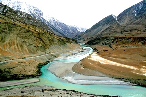 Ladakh, A Beautiful Place in Kashmir - Travelling Moods