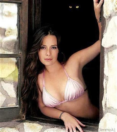 Celebrity Hot Image: Holly Marie Combs