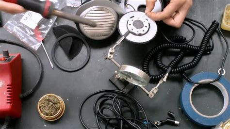 How to replace the cable on beyerdynamic DT990 - YouTube