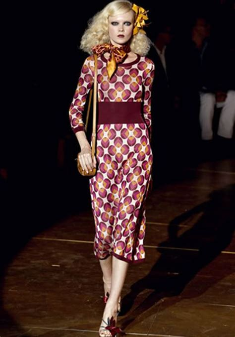 popular outfits from the 70s for women   Lovely 70's