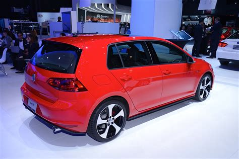Updates 2015 VW Jetta Joins New Golf GTI and R in New York