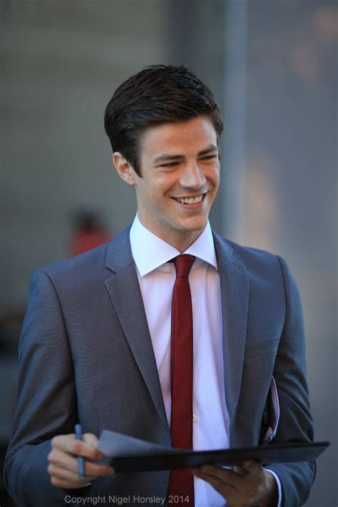 grant gustin pics (@gustinpictures) | Twitter | Grant