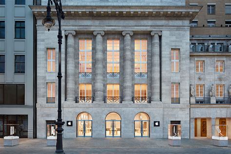 First Apple store in Berlin, Germany opens to enormous