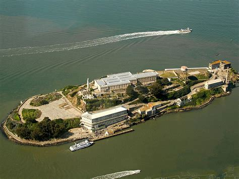 Yosemite and Sequoia with Alcatraz Combo Tour from San