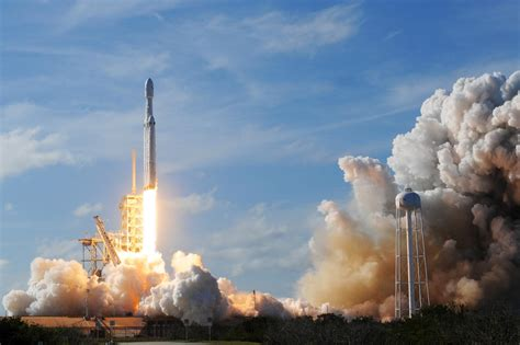 Billionaires plan for space tourism—are travelers interested?