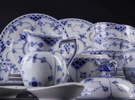 Royal Copenhagen Blue Fluted half Lace | Blue and white