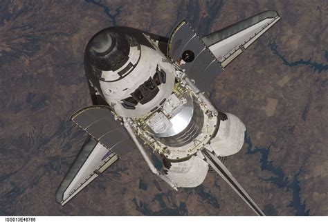 Space Shuttle Discovery, docking with the ISS, 2006 | スペース