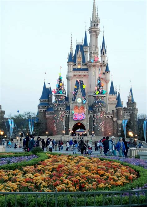 Top 10 Most Awesome Amusement Parks