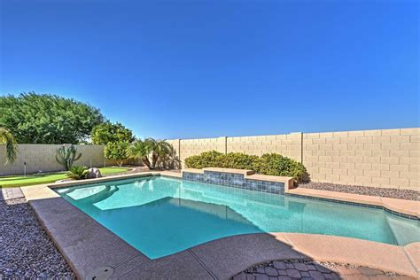 Quiet 4BR Goodyear House w/Private Pool&Putt Green