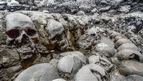 Enormous rack of skulls found in Mexico | Newshub