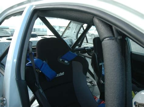 Mitsubishi Lancer EVO 8 6 Point Bolt-in Roll Cage   Safety